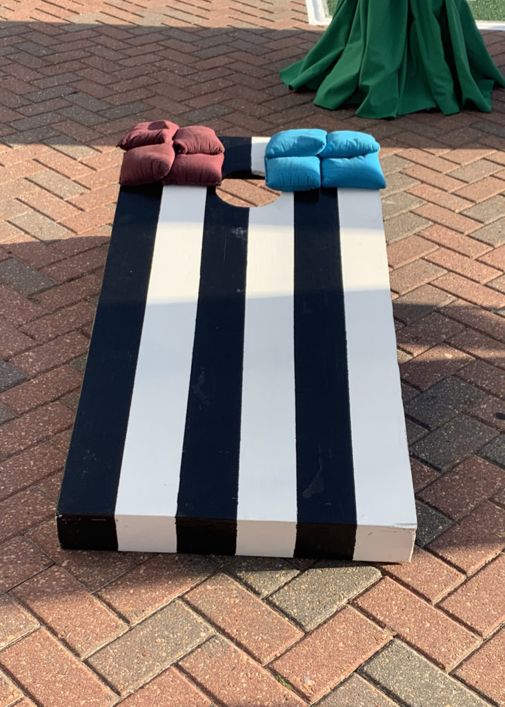 Corn Hole Toss Image