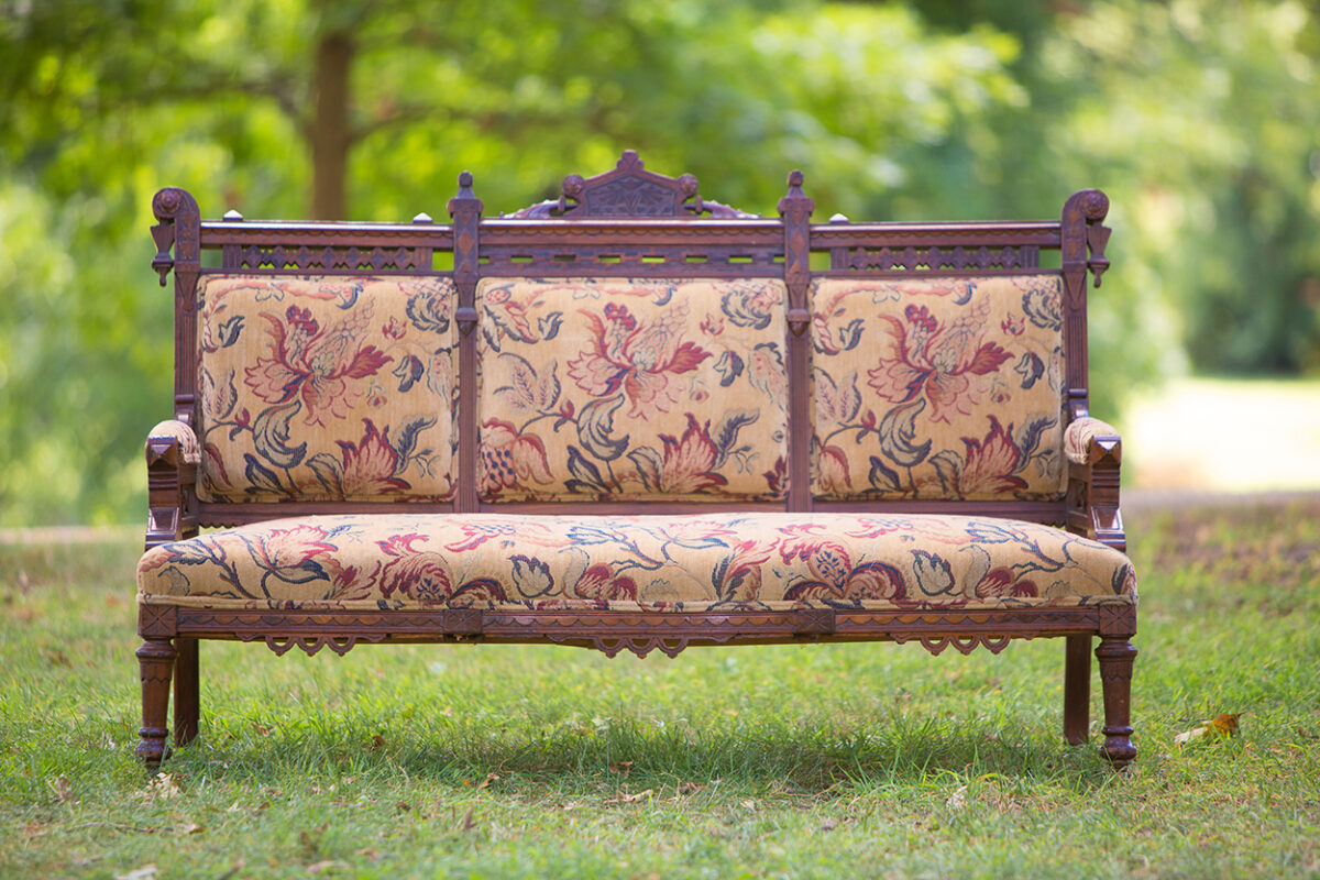 Read more about the article Vintage Sofa
